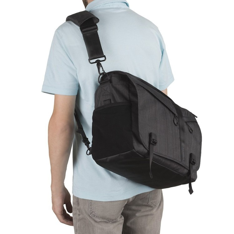 Tenba DNA 15 Messenger bag review